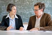 Laura Heyderman, Scientist at PSI and ETH Zurich Professor, in conversation with Peter Derlet of the Condensed Matter Theory Group at PSI. (Image: PSI/Markus Fischer)